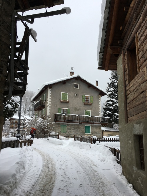 approach-to-climb-through-village